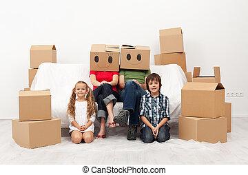 nouveau, en mouvement, maison famille
