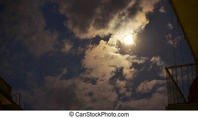 nuages, lune, entiers