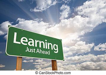 nuages, sur, signe, vert, apprentissage, route