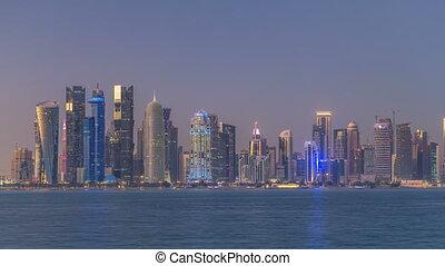 nuit, est, en ville, doha, timelapse, horizon, qatar, milieu, jour