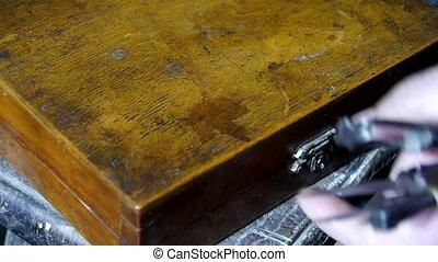 obtenir, vieux, boîte outils, outils, artisans