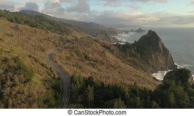orégon, 101, panoramique, embardée, aérien, autoroute, coup, côte, falaises