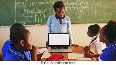 ordinateur portable, 4k, écolier, jeune, devant, classe