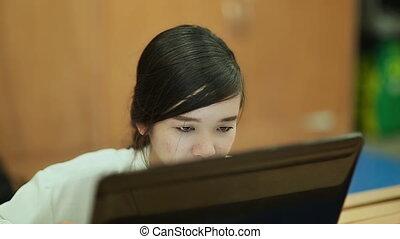 ordinateur portable, girl, fonctionnement, vietnamien