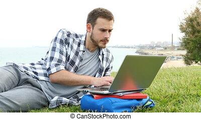 ordinateur portable, herbe, étudiant, sérieux, utilisation