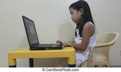 ordinateur portable, lecture, jouer, enfant