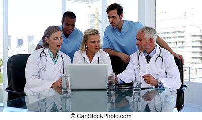 ordinateur portable, tog, utilisation, groupe, médecins