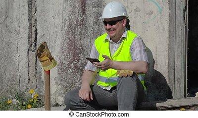 ouvrier construction, heureux