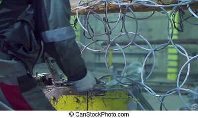 ouvrier métal, usine, unrecognizable, filet, produire