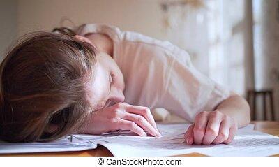 overload., documents., fatigue, work., information, sommeils, faillite, femme, analyse, tension