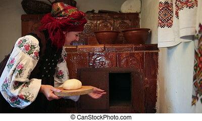 pâte, met, jeune, vyshyvanka, traditionnel, cru, pain, femme, ukrainien, déguisement