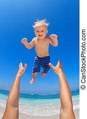 père, haut, lancement, heureux, enfant, air