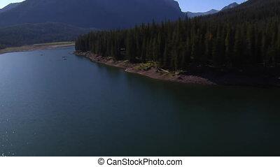 pêcheurs, montagne, prise vue aérienne, lac