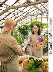 paiement, contactless, femme, magasin, confection, épicerie, asiatique