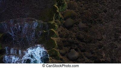 panoramique, aérien, vagues, être, vue, affleurement, oeil oiseau, calcaire, sur, océan, lavé