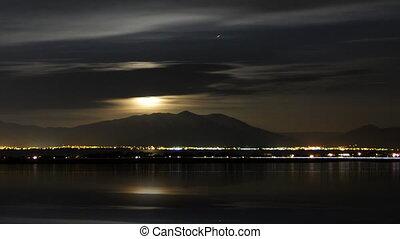 panoramique, nuages, lune
