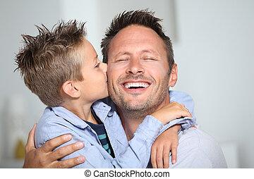 papa, garçon, peu, sien, donner, baiser, lien