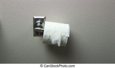 papier hygiénique, peu soigné