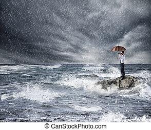 parapluie, protection, orage, assurance, sea., concept, pendant, homme affaires