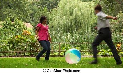 parc, couple, balle, jeux, barrière