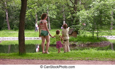 parc, enfants, mère