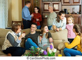parental, maison, famille, heureux, rassemblé