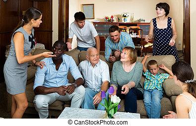 parental, maison, rassemblement famille, heureux