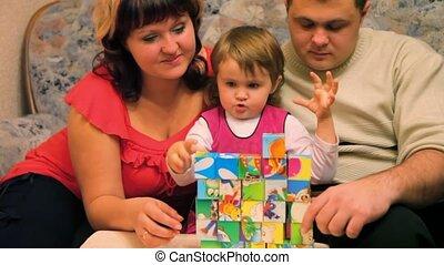 parents, cubes, fille, jouer