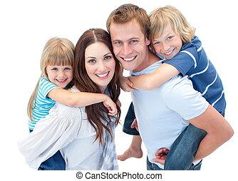 parents, enfants, leur, cavalcade, donner, ferroutage, heureux