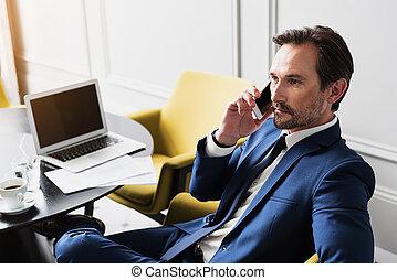 parler homme, smartphone, intelligent, complet