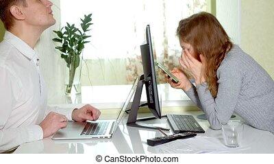 partenaires, bureau fonctionnant, réussi, deux, business, maison, réunion, discuter