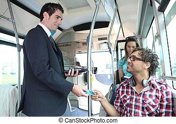passagers, contrôleur, régler, jeune, bus.