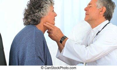 patient, docteur, examinating, sien