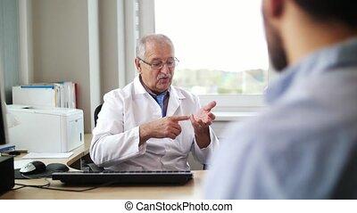 patient, docteur, hôpital, conversation, mâle aîné