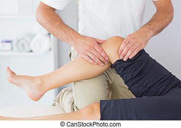patient, régler, genou, kinésithérapeute