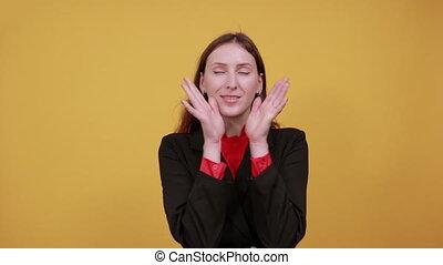 paumes, femme, confondu, surpris, gens, incertain, tient, mains, sous, elle, chin.