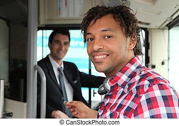 payant, billet autobus, homme