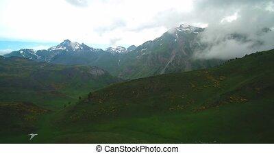 pays montagne, vol, évalué, -, aérien, nuageux, pyrénées, version, espagnol