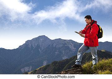 pc, homme, sommet montagne, tablette, jeune, toucher