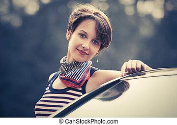 penchant, lutin, cheveux, jeune femme, voiture, heureux, elle, mode