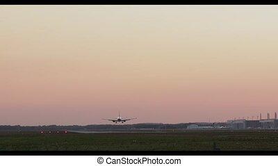 pendant, atterrissage avion, sunset.