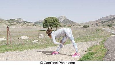 pendant, séance entraînement, étirage, femme, nature