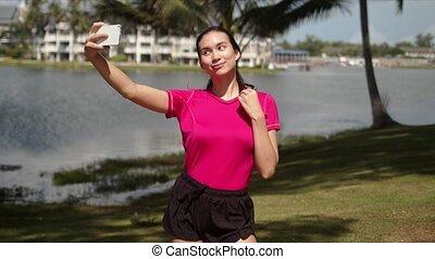pendant, selfie, prendre, femme, séance entraînement