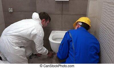 pendre, lourd, salle bains, plombier, moule, hommes, nouveau, moderne, bol, deux, toilette