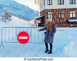 pendre, non, hiver, points, doigt, elle, signe, rouges, rond, girl, entrée, day., barrière