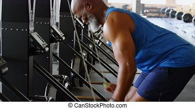 personne agee, dehors, fonctionnement, homme, 4k, fitness, studio
