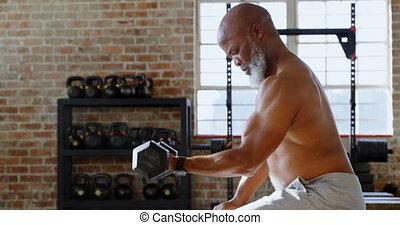 personne agee, exercisme, studio, homme, 4k, fitness, dumbbells