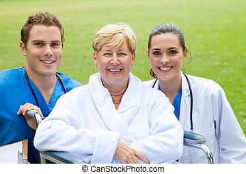 personne agee, patient, infirmière