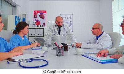 personnel, docteur, conférence, discuter, hôpital, monde médical, salle