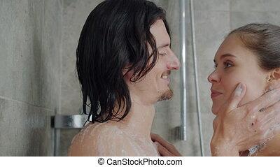 petit ami, exprimer, petite amie, baisers, douche, amour, étreindre, wahsing